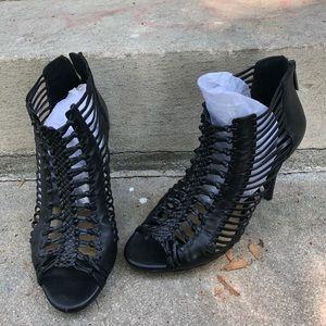 Gianni Bini Black Leather Look Heels Size 8.5